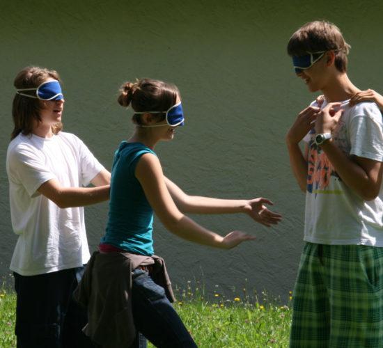 Jugendliche bei Gruppenspiel