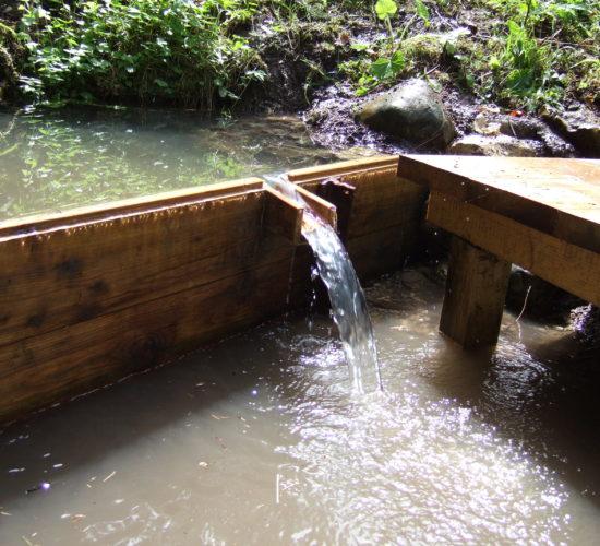 Hölzener Staudamm mit Überlauf